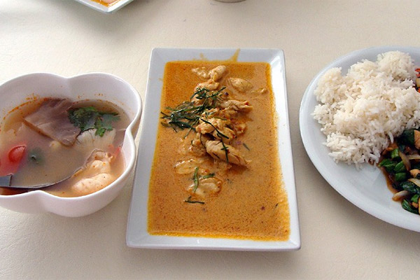 Phuket Cooking Class with green curry chicken and soup