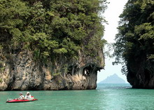 Day Tour with Kayaking to James Bond Island